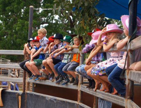 Local school group watching the Katherine Outback Experience Show